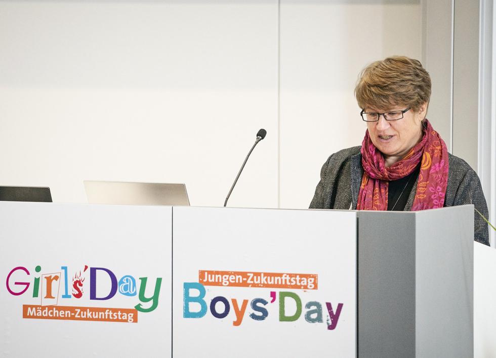 Cornelia Dorow vom BMBF bei ihrer Begrüßungsrede