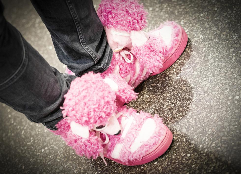 Die Rosa-Hellblau-Falle ist mit den abgefahrensten Schuhen vertreten.