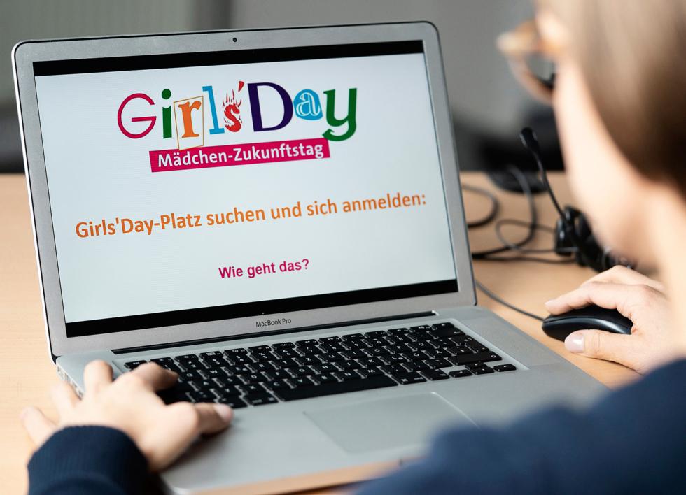 Laptop mit Girls'Day-Logo